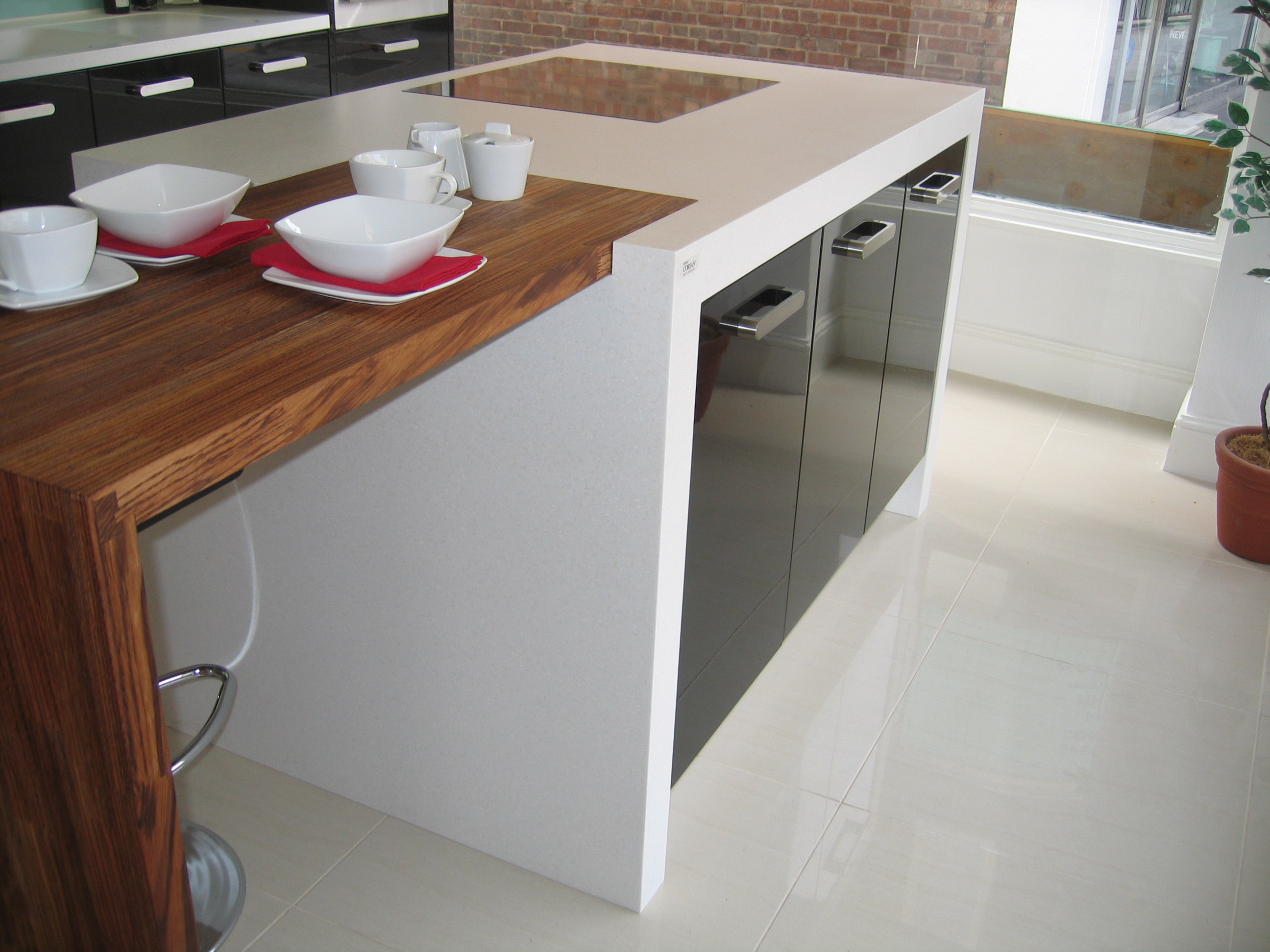 Glacier White Corian 174 Amp Wood Breakfast Bar Counter