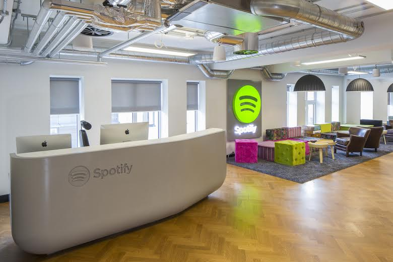 Corian Spotify Desk